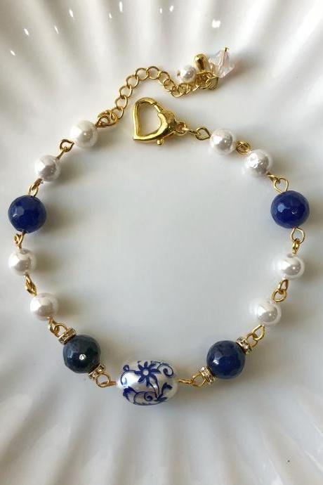 Sodalite & Shell Pearl Clasp Bracelet